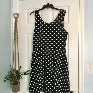 Polka Dot Scoop Neck Sleeveless Swing Dress